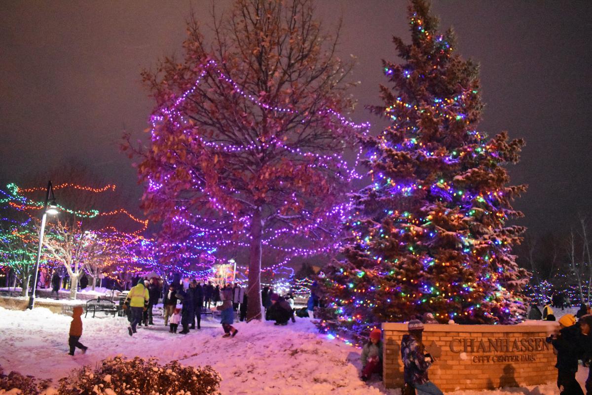 Chanhassen tree lighting