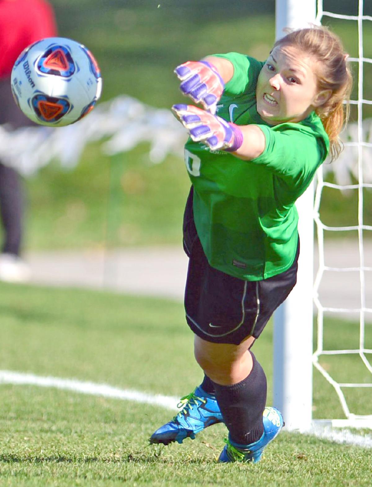 Lizzy Crist - Soccer