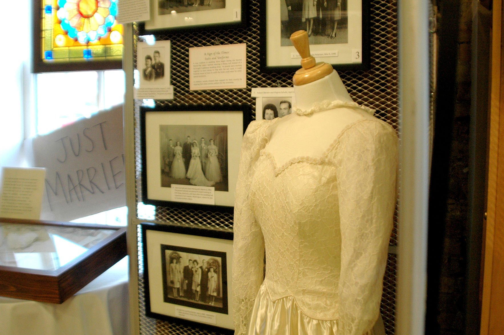 Wedding Dress At Historical Society: Wedding Dress Display Case At Reisefeber.org
