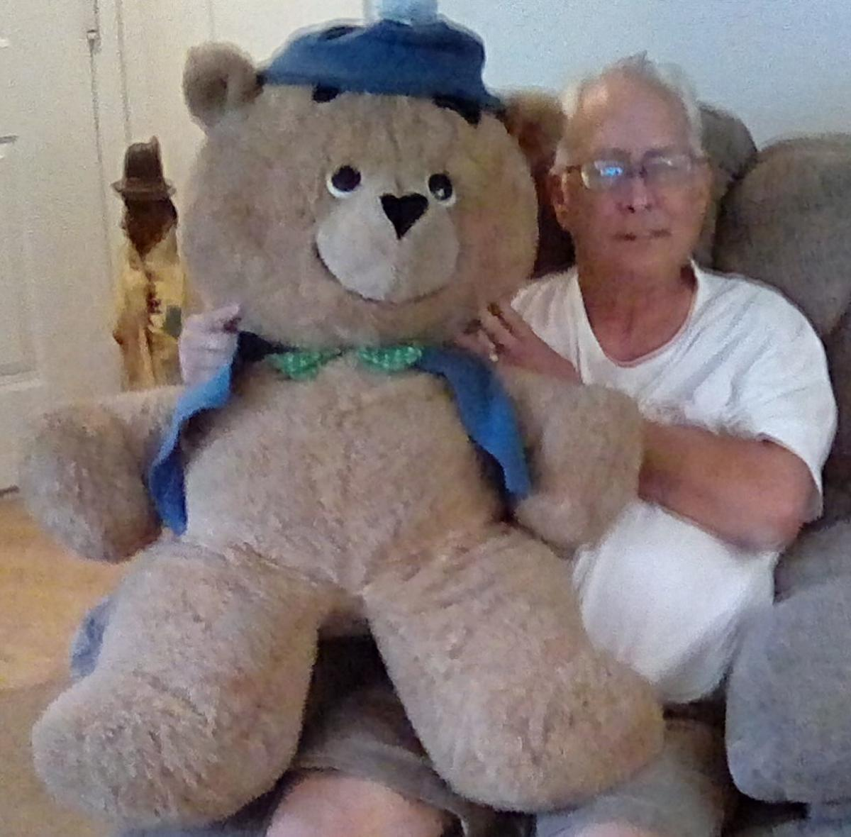 Animal Fair Fans Are Far And Wide Florida Man Cherishes His Ted E