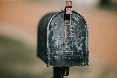 Letter to editor stock art - old mailbox