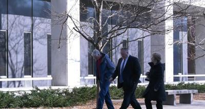 Rod Thompson entering courthosue