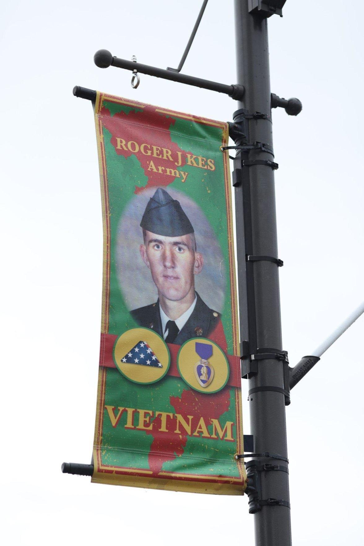 Kes banner
