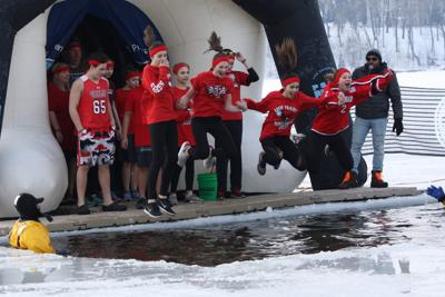 Polar plunge 2019 group leap (copy)