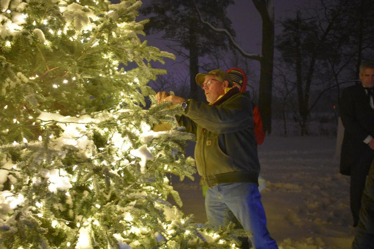 Sharing Tree 1 - Eden Prairie Optimist Club