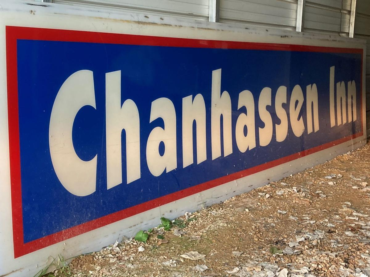 Chanhassen Inn sign