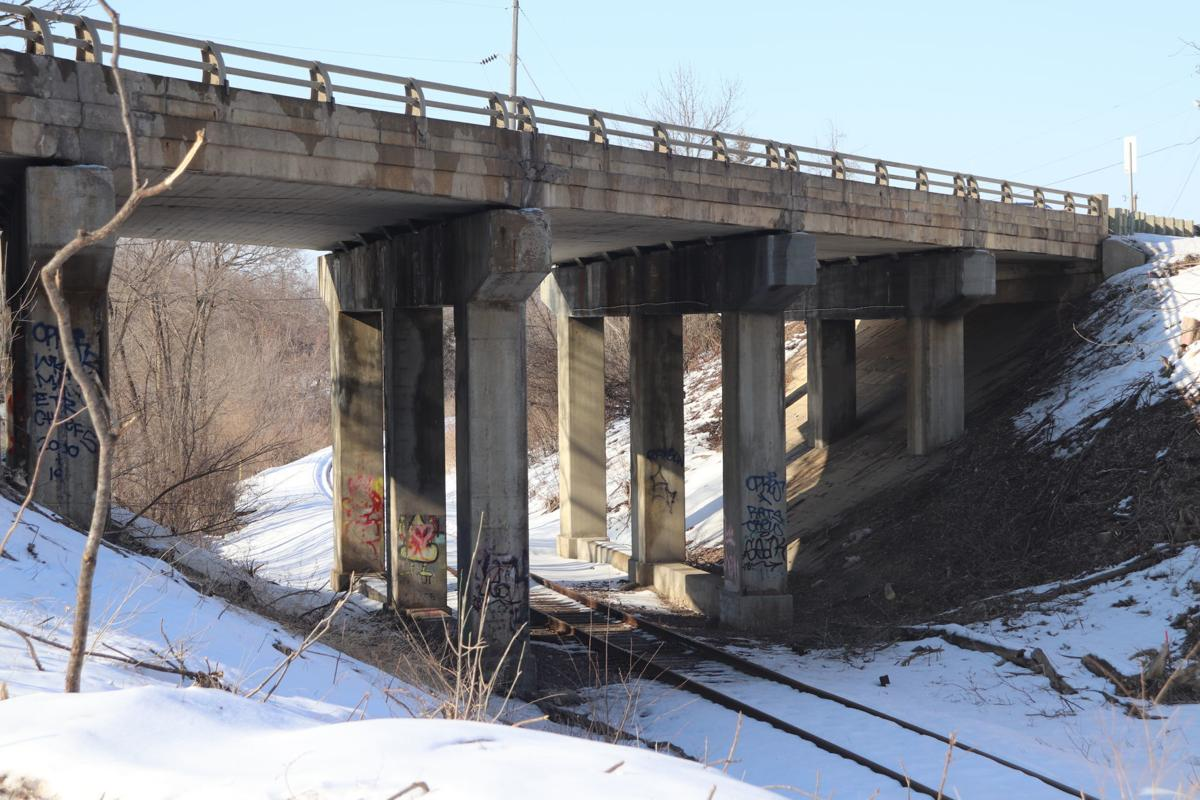 Highway 21 railroad bridge