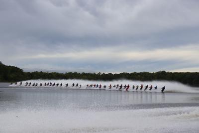 Barefoot skiing world record