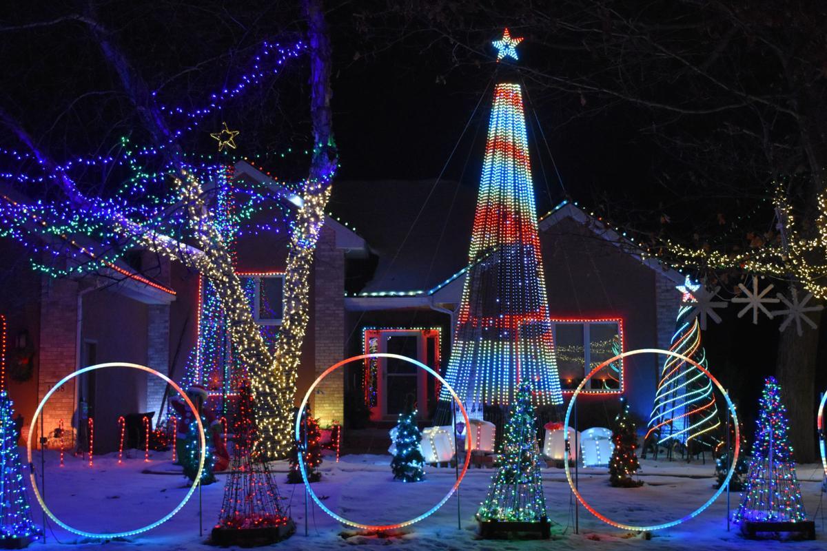 Lake Wildwood Christmas Lights 2021 Holiday Light Displays Are Making Spirits Bright On Long Winter Nights Chaska News Swnewsmedia Com