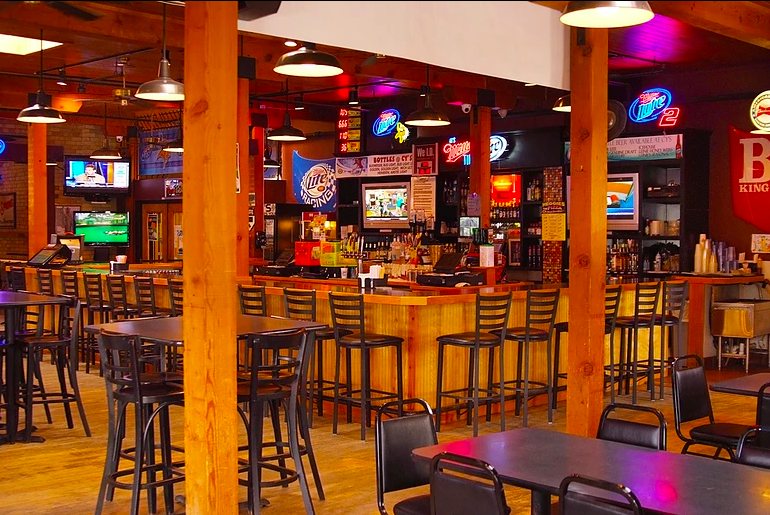 Cy's Bar and Grill - interior