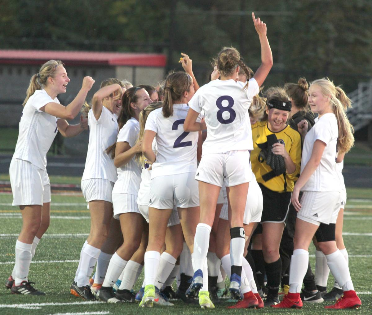Chaska Soccer - Celebration