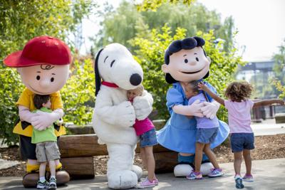 Peanuts Charlie Brown, Snoopy & Lucy at Valleyfair