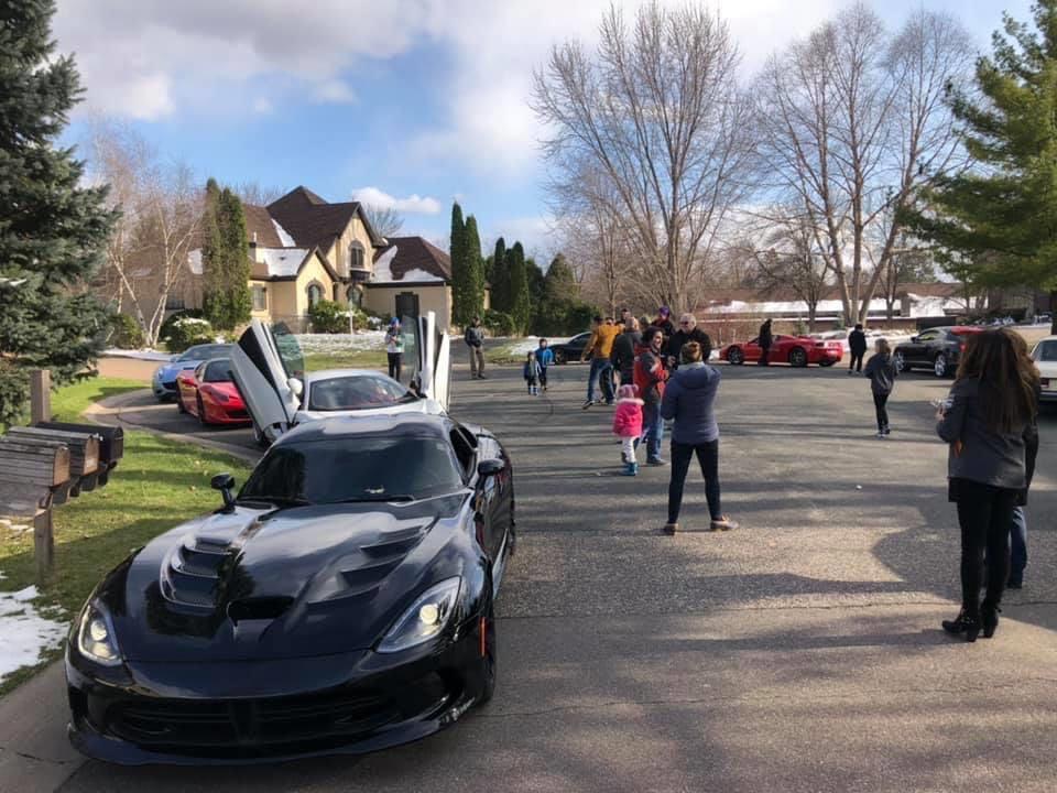 Sports car parade 1