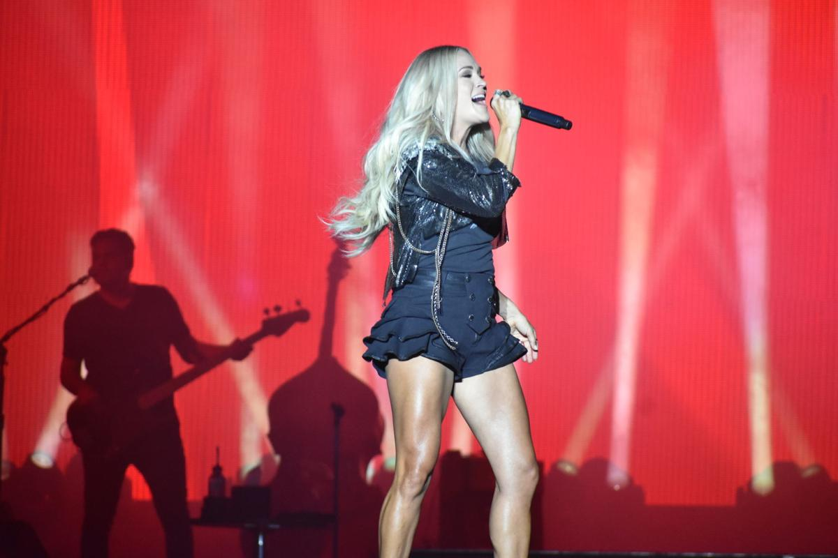 Carrie Underwood at Twin Cities Summer Jam