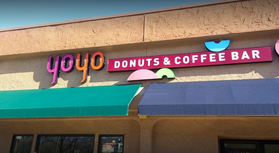 Yoyo Donuts - signage