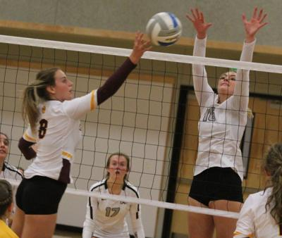 SW Christian Volleyball - Close
