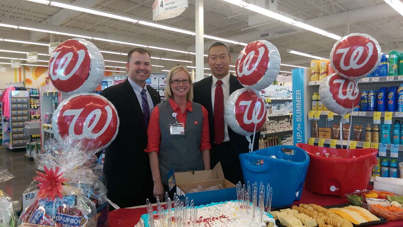 Walgreen S Celebrates Grand Opening In Wayzata Business