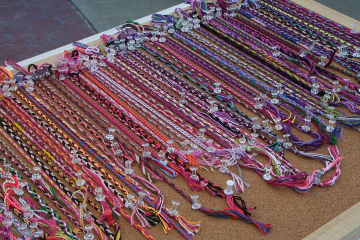 Bracelet bunch: Community comes together at Prior Lake Pop Up