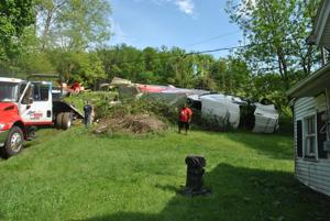Tractor-trailer runs off Interstate 81 near Atkins
