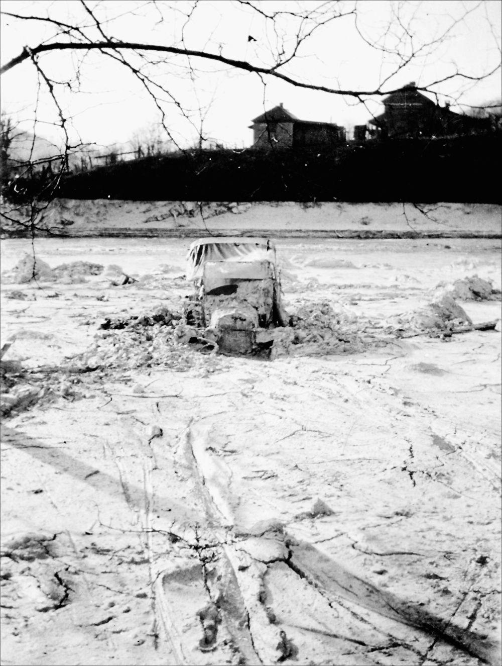 SMY 1221 muck dam car.jpg