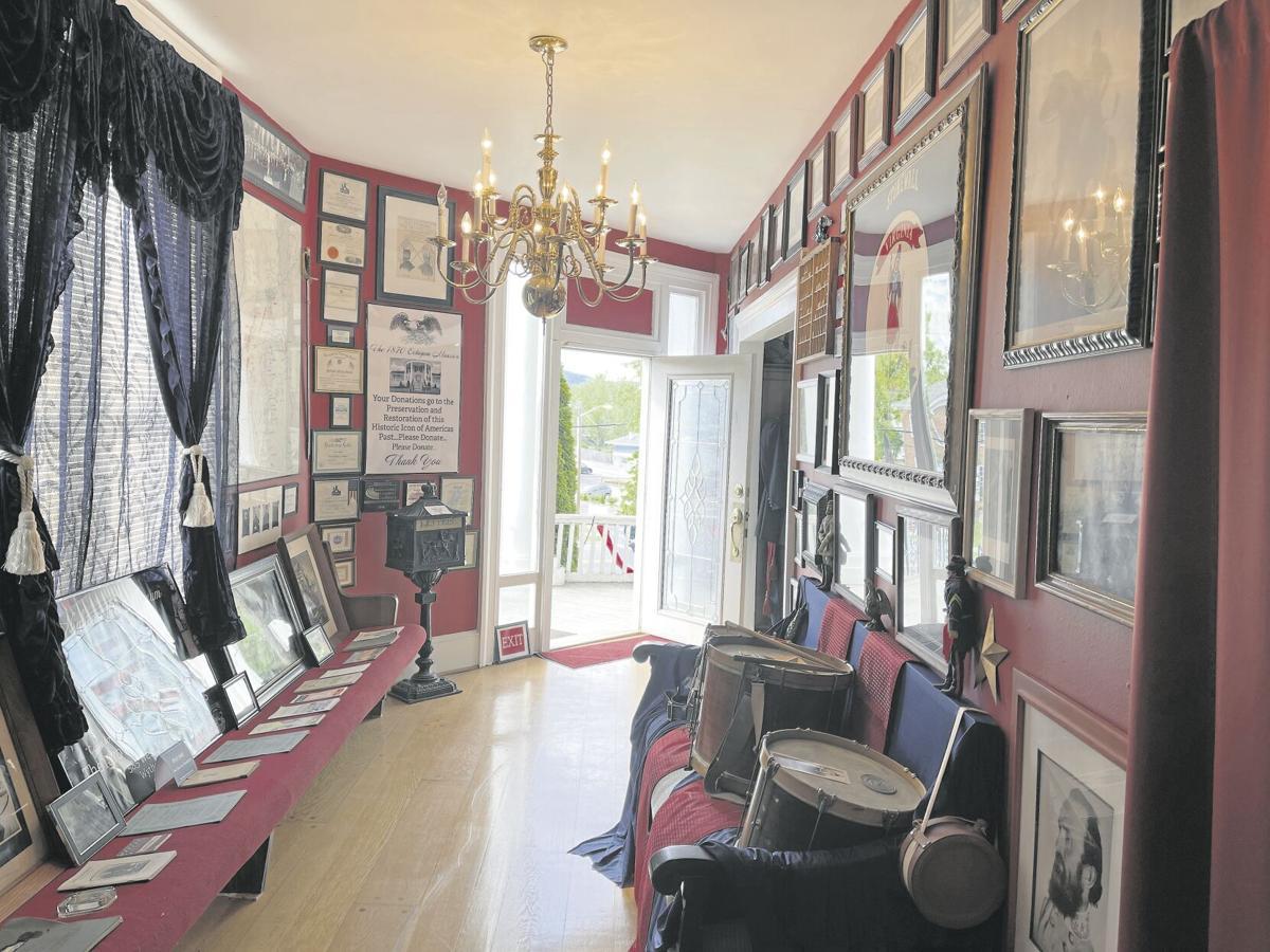 Octagon mansion history museum