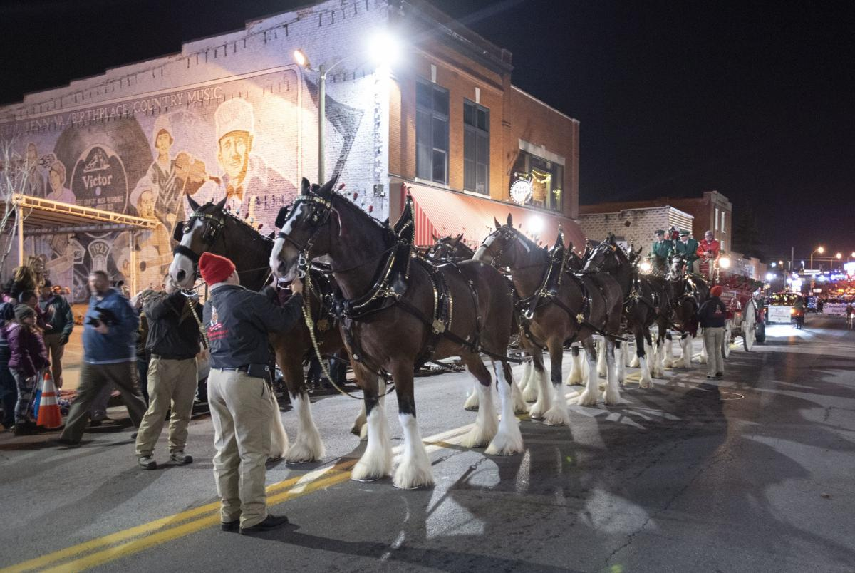 2019 Bristol Christmas Parade marked by Budweiser Clydesdales