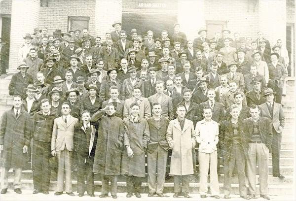 w-edit-Smyth County WWII Draftees-1942.jpg