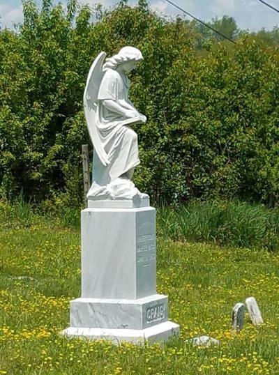 Grave at Walnut Grove