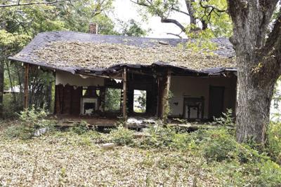 1231 Top 10 3 dilapidated homes1.jpg