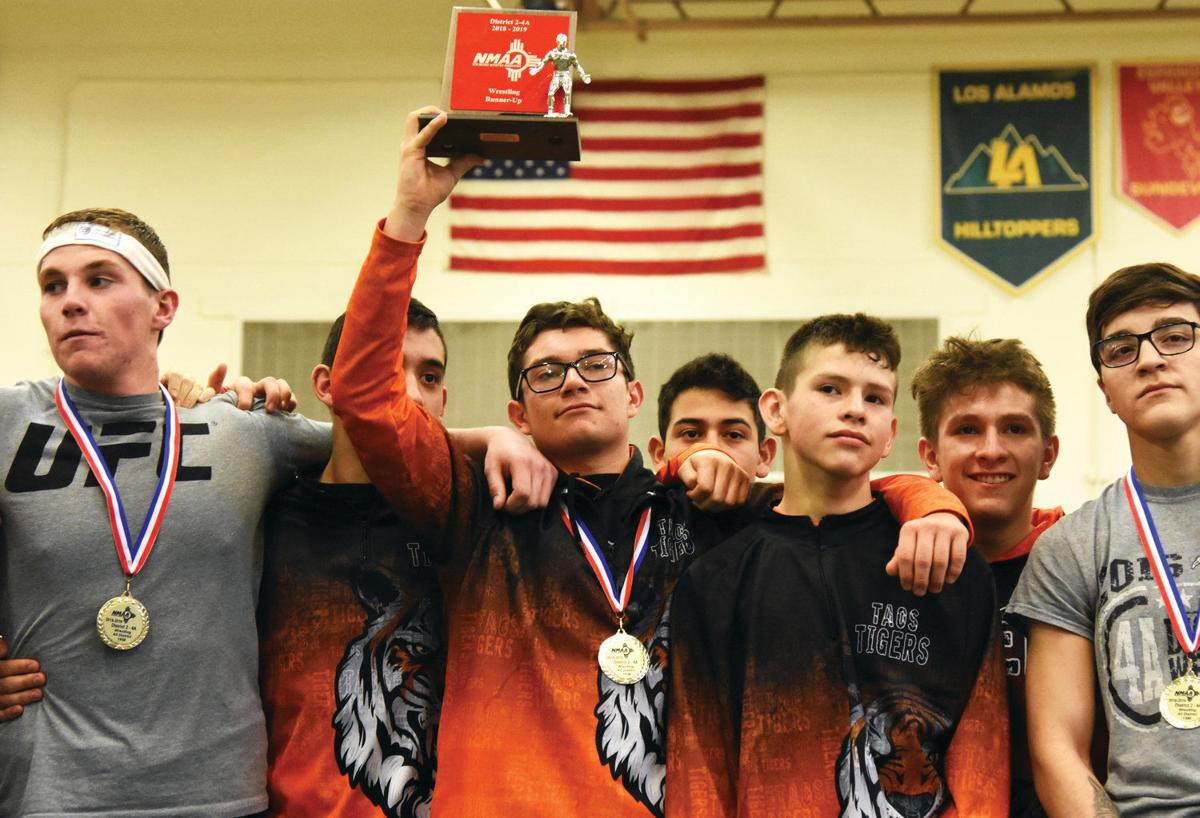 Taos to send 14 wrestlers to the state championship meet