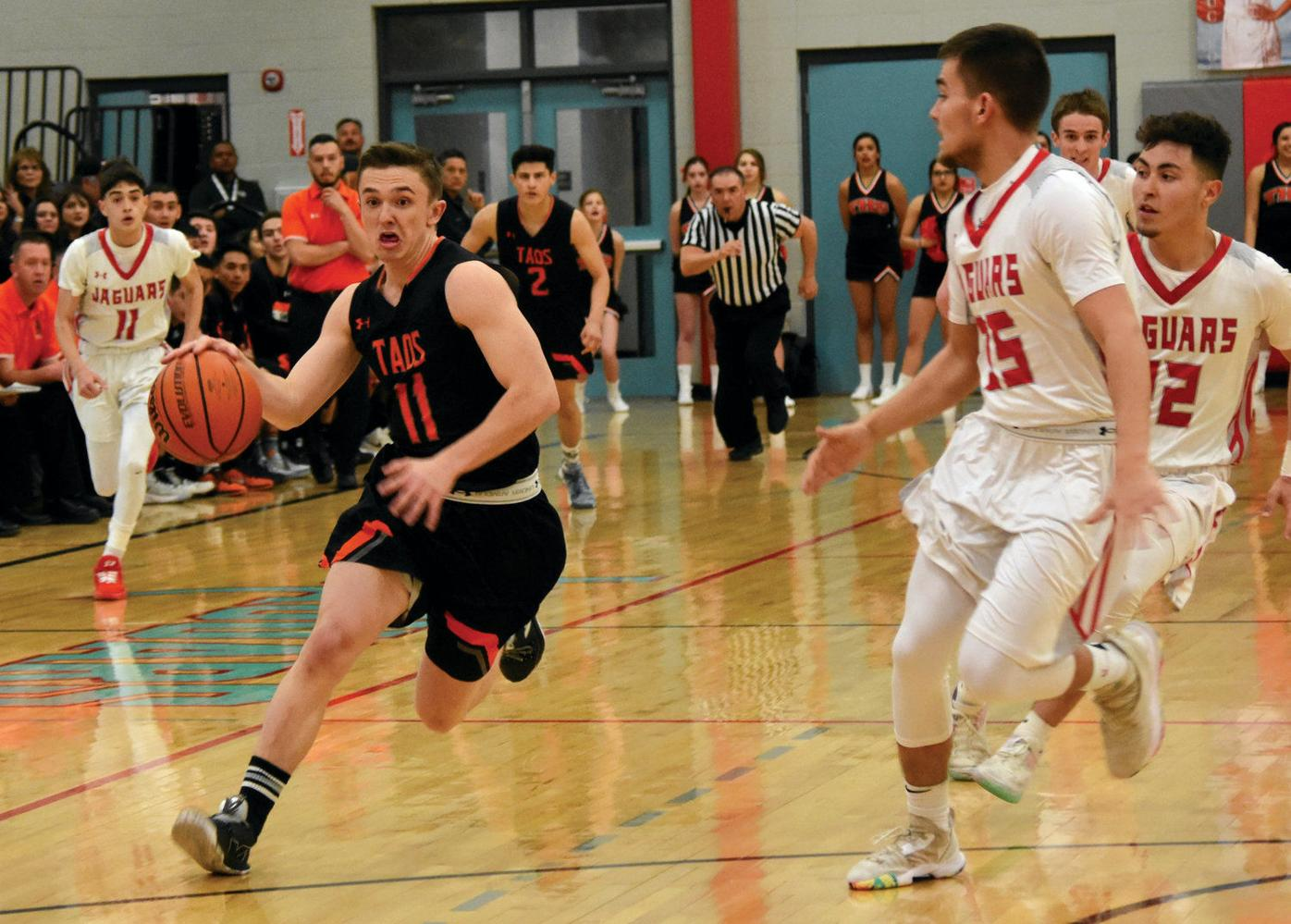 Taos Tigers battle for a last-minute win over Valencia