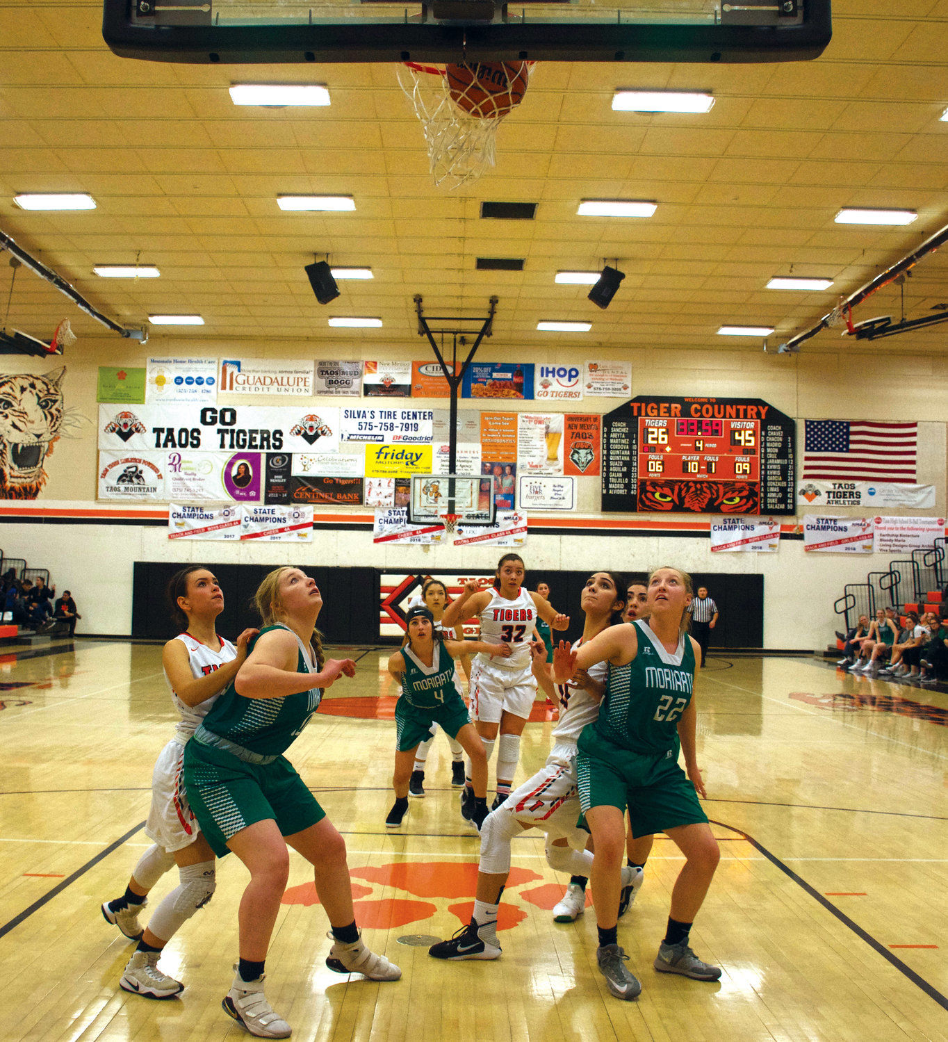 Taos Lady Tigers have a great fourth quarter against Moriarty
