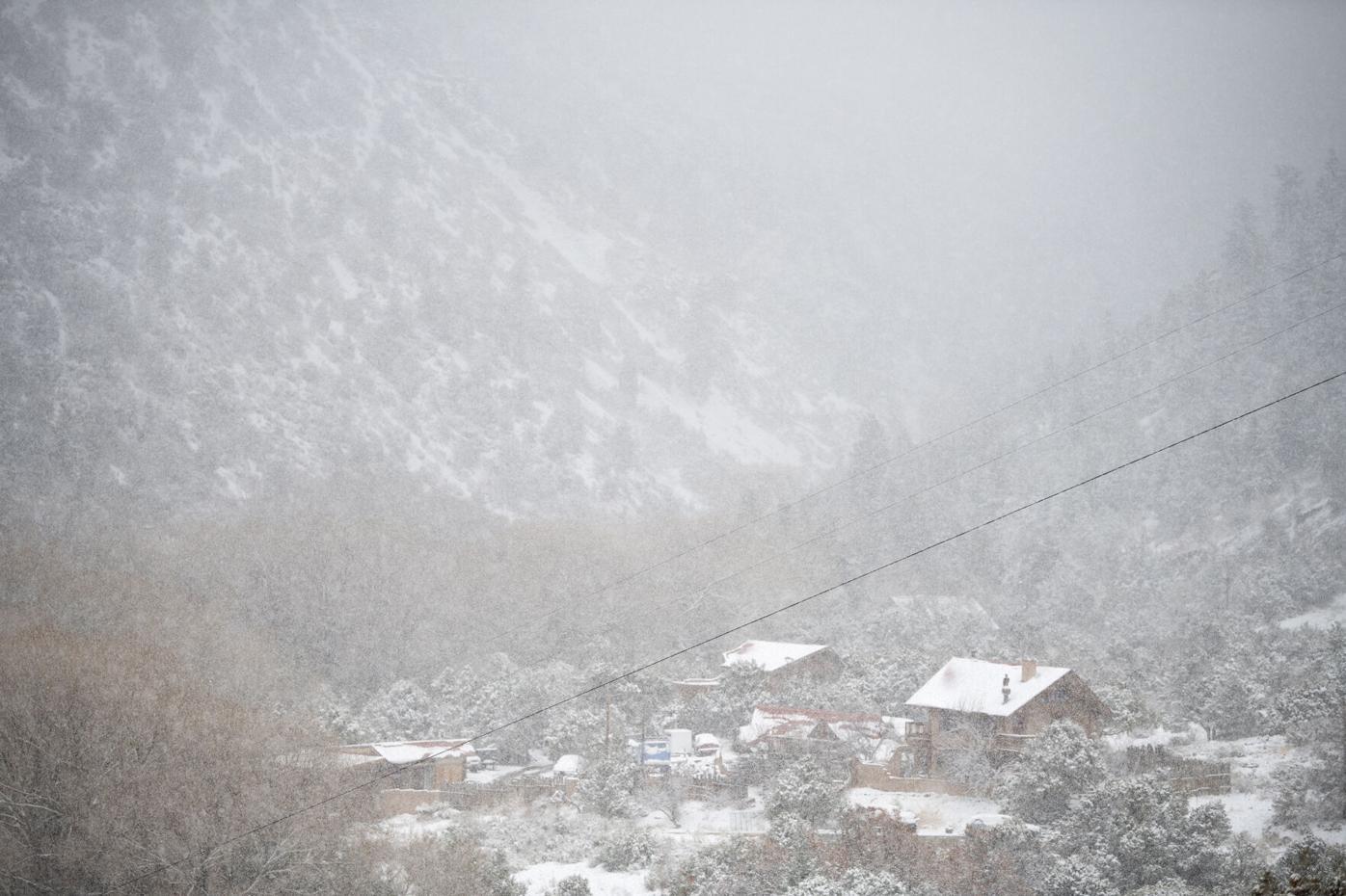 Spring snow 2 210517.JPG