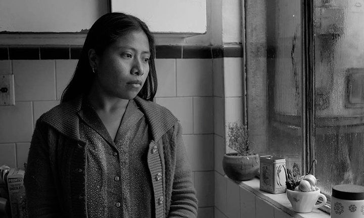 Movie reviews: 'Roma' and 'The Favourite'