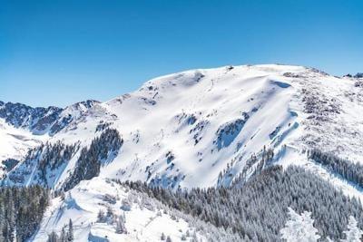Taos Ski Valley discourages tourists