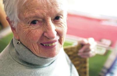 Noted Taos weaver, author Rachel Brown, dies at 85