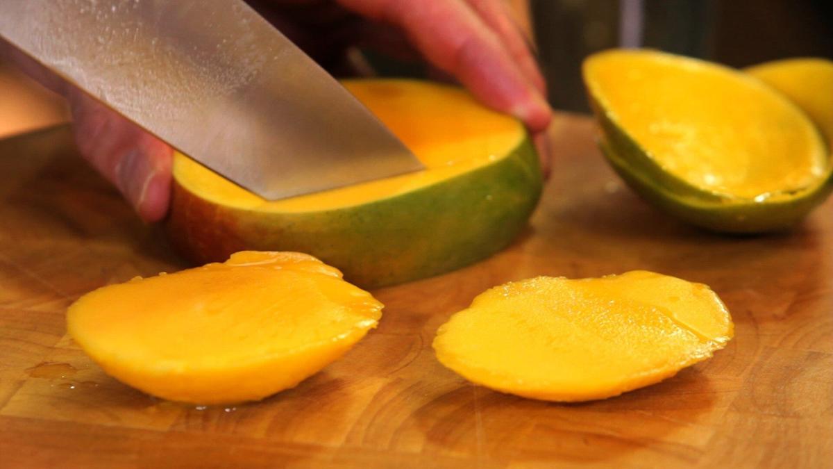 Prep School, how to cut a mango.