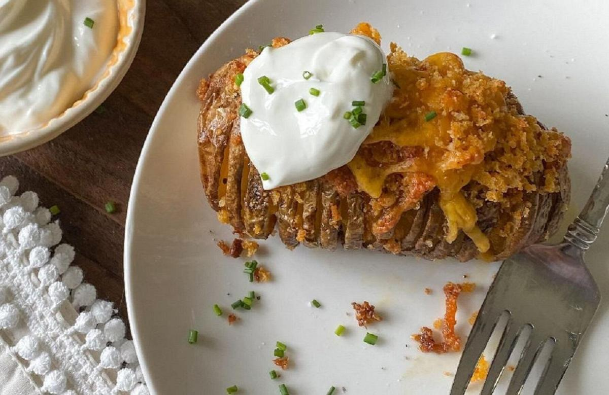 Recipe of the Day: Cheddar Herb Hasselback Potatoes
