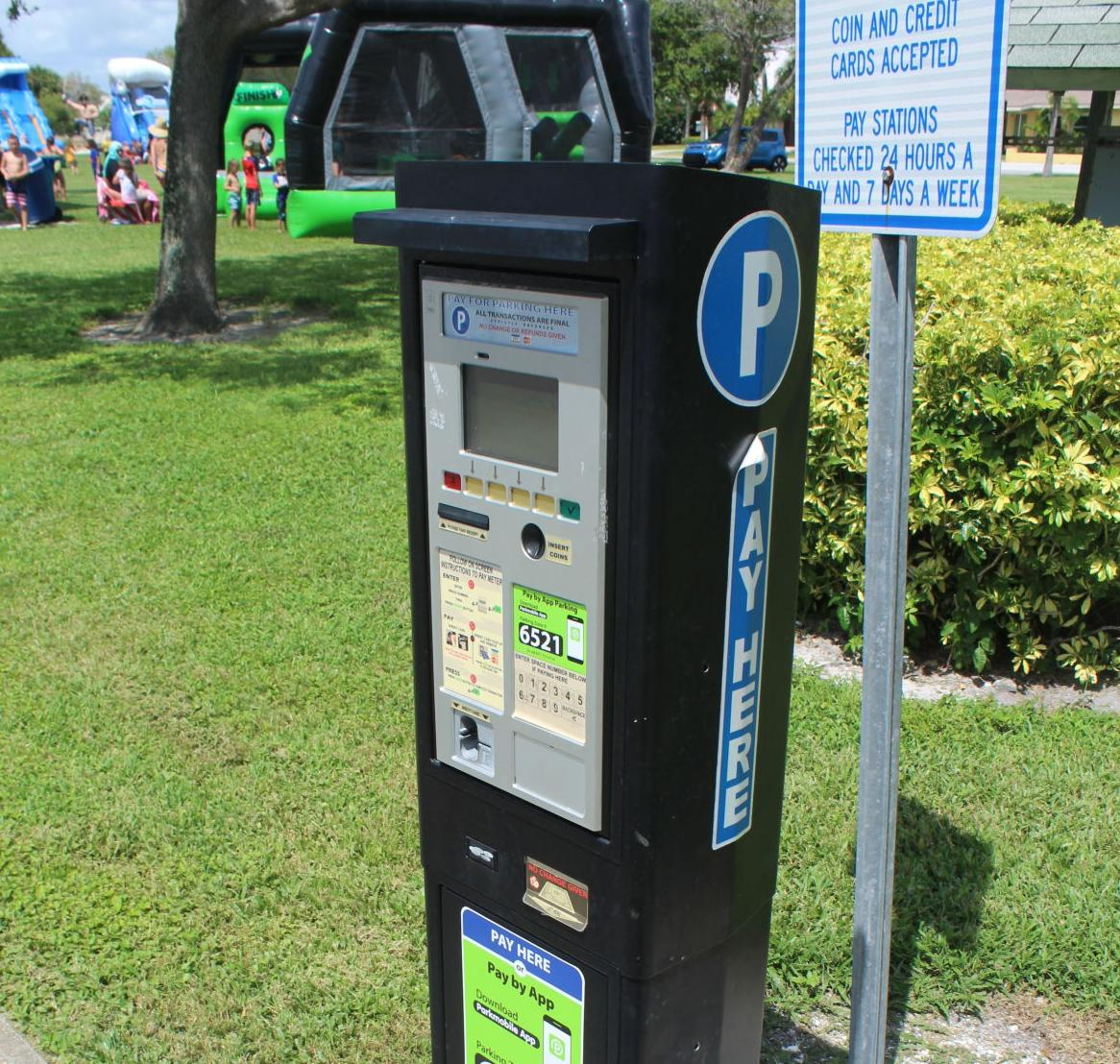 City expands metered parking across Treasure Island