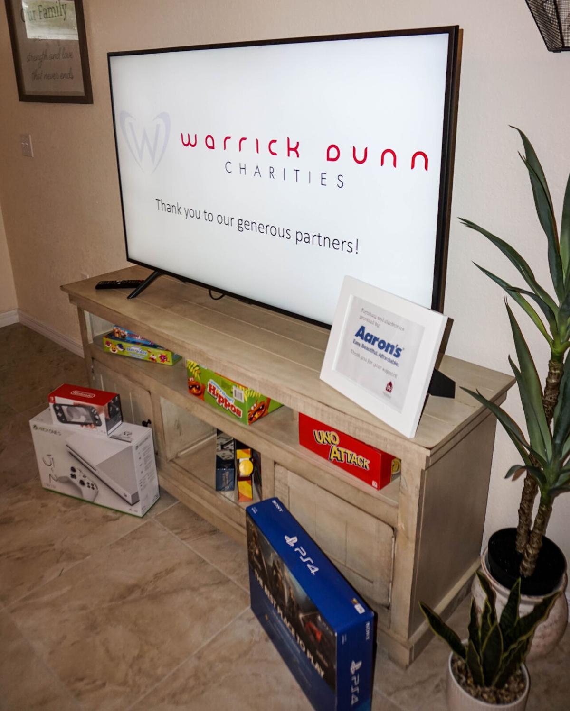 Warrick Dunn Habitat for Humanity-3.jpg