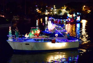 Boat parades light up waterways around Pinellas