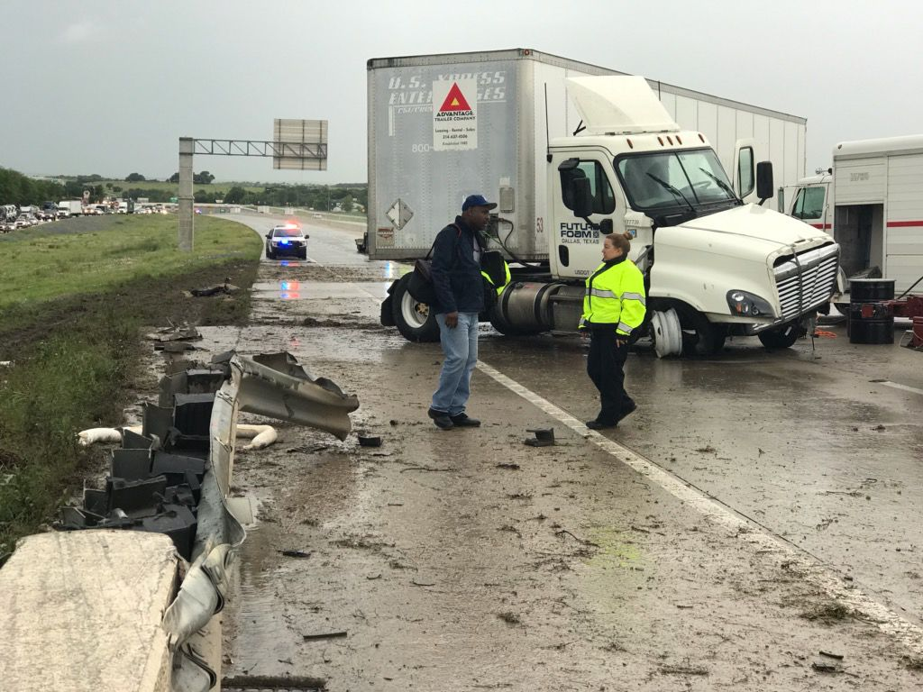 18-wheeler jackknifes on northbound I-35 near Salado | News