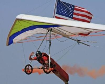 Stunt pilot who died in airshow crash performed in Temple