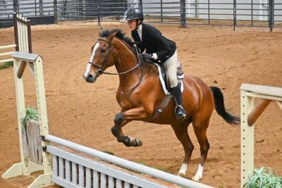 Youth show off horse skills at show