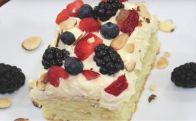 lemon berry almond cake
