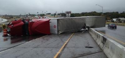 Wreck halts traffic on I-35 in Temple