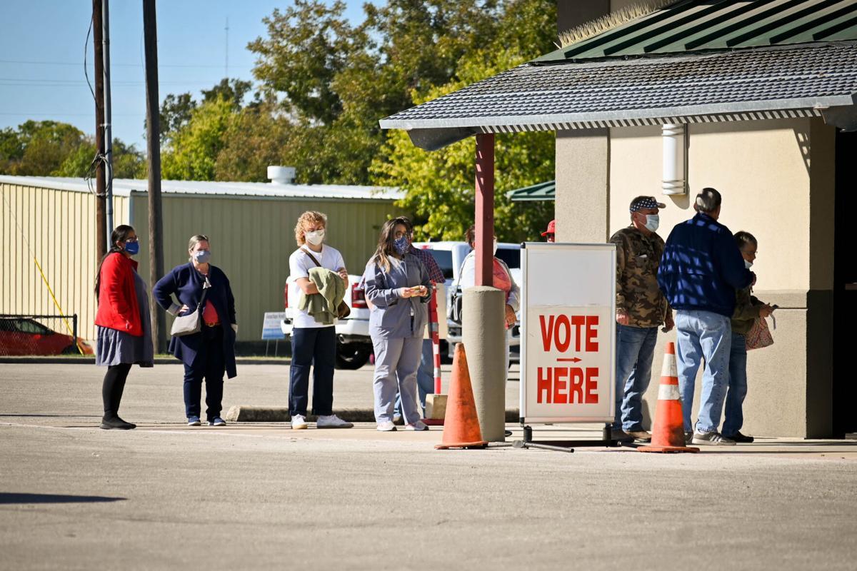 Voting line in Belton