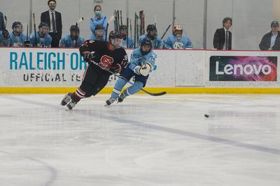 HockeyvsUNC_dodge_AH_web.jpg