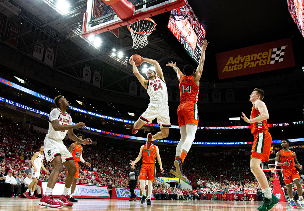 Devon Daniels Attacks Basket vs. Miami