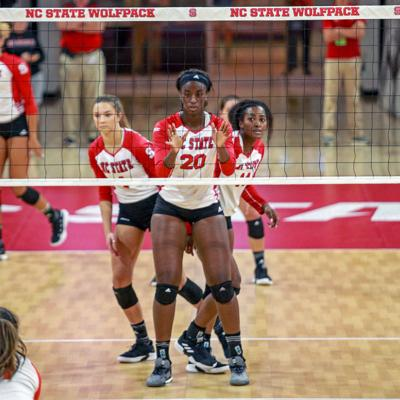 [volleyball] Terry, Pickrell, Chatman Prepare